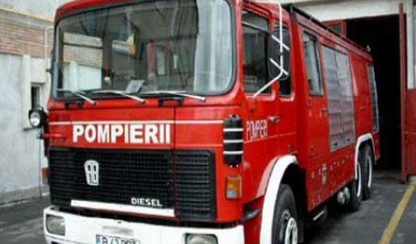 Incendiu la un autoturism din Sebeș