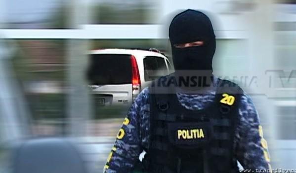 Percheziții efectuate de polițiști în Zlatna și Tăuți, la persoane bănuite de înșelăciune și delapidare
