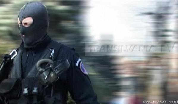 Vezi rezultatele perchezițiilor efectuate de polițiștii din Alba la persoane bănuite de evaziune fiscală, executarea de activități miniere fără permis sau licenţă, furt şi spălare de bani