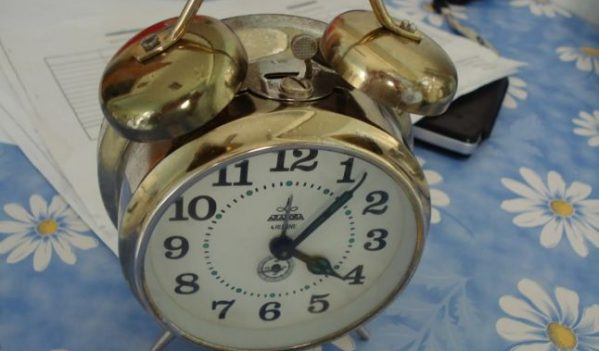 In noaptea de sambata spre duminica dam ceasurile inapoi!