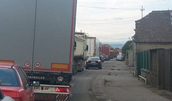 Atentie, reparatii pe DN1, in zona Lancram, Sebes!