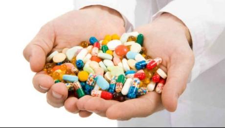 Cum sunt TRANSFORMATI oamenii SANATOSI in cumparatori de medicamente!