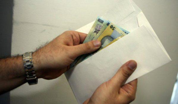 Un cetățean din Alba a fost prins în flagrant de dare de mită pentru obținerea unor bilete de tratament