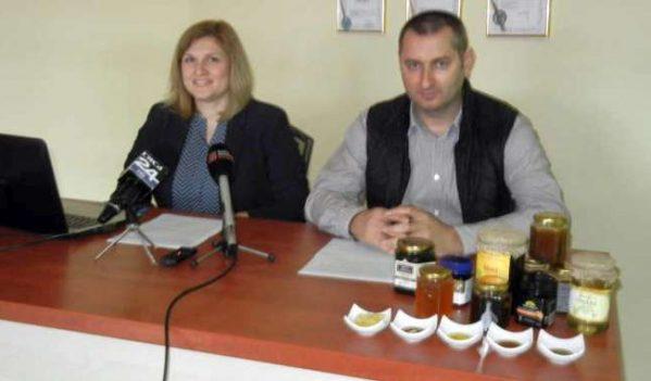 Mierea românească are un efect antibacterian mai puternic decât mierea de Manuka.
