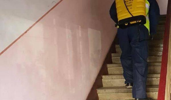 Se dezinfecteaza scarile de bloc din Sebes!
